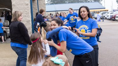 Photo of Local Teams Feel the Love as They Head to State
