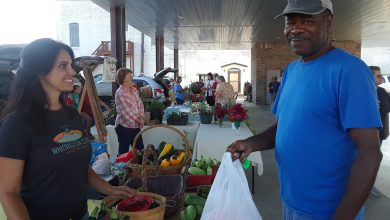 Photo of Farmer's Market fans filling up with faves