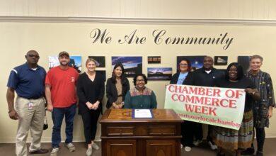 Photo of Hope Vice Mayor Proclaims Chamber of Commerce Week