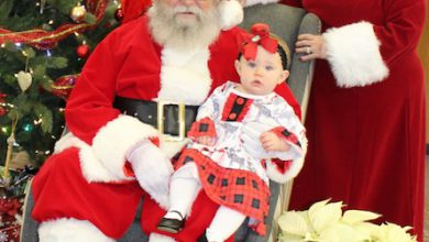 Photo of Santa Visits with Children at Diamond Bank in Hope