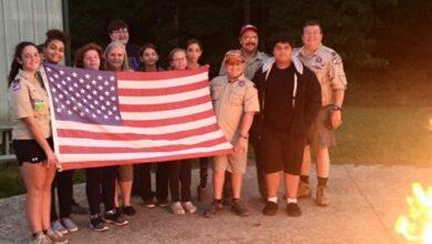 Photo of Troop 5 Retires American Flags