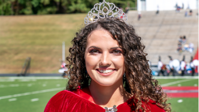 Photo of Mount crowned 2021 homecoming royalty at Henderson