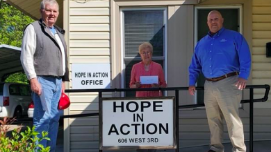 Photo of Rodney Orr Insurance Donates to Hope In Action