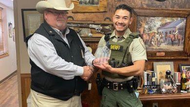 Photo of Deputies Receive Life Saving Award